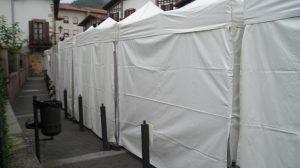 Feria con carpas plegables 3x3.